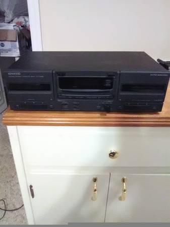 Photo Kenwood Dual Cassette Deck - $30 (Ariton)