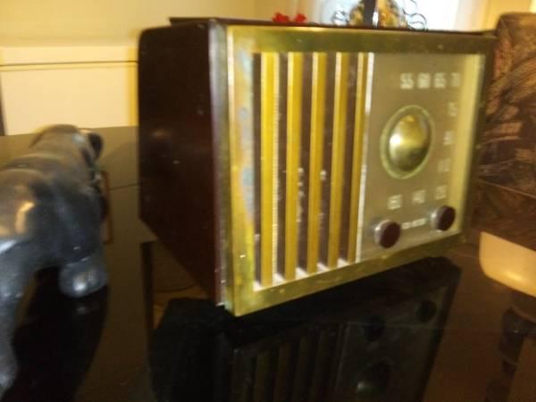 Photo RCA Victor Tube Radio - $115 (Dothan)