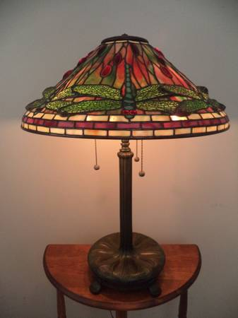 Photo STAINED GLASS TABLE LAMP-DRAGONFLY SHADE ON LIBRARY BASE-USA - $3,995 (santa rosa beach)