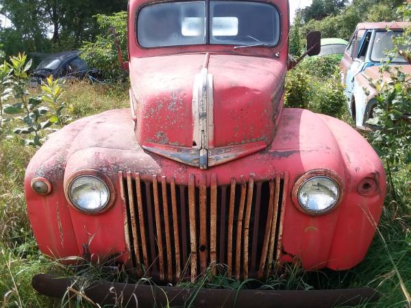 Photo 1947 ford straight truck - $3,900 (cedar falls area)