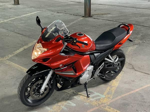 Photo 2009 SUZUKI GSX-650F - $3,300 (Bettendorf)