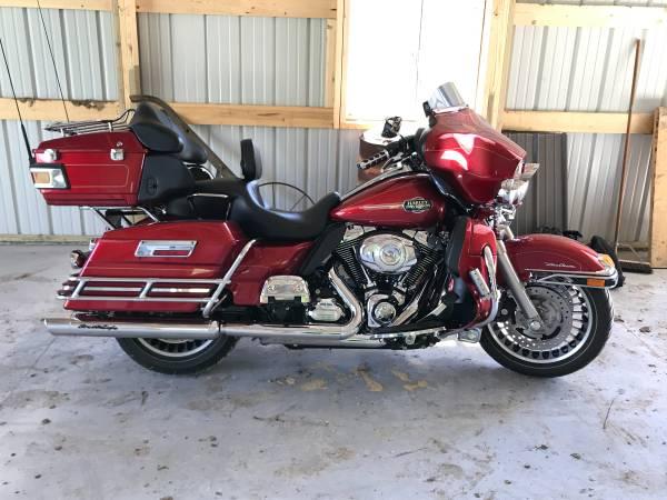 Photo 2013 Harley Davidson Ultra Classic - $15,000 (Fennimore)