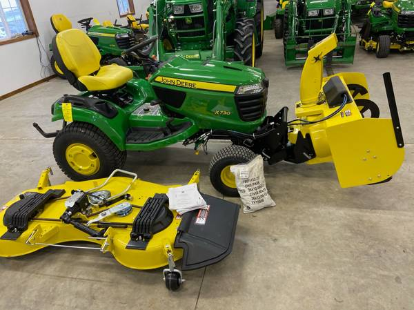 Photo 2018 John Deere X730 riding mower 54 hrs new 60 deck  snowblower - $12,400 (Newton)