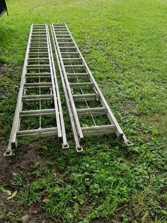 Photo 3239 Ladder, Type 1 A, 300 LBS, Extra Heavy Duty - $100