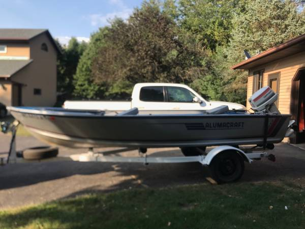 Photo Alumcraft fishing boat - $2,550