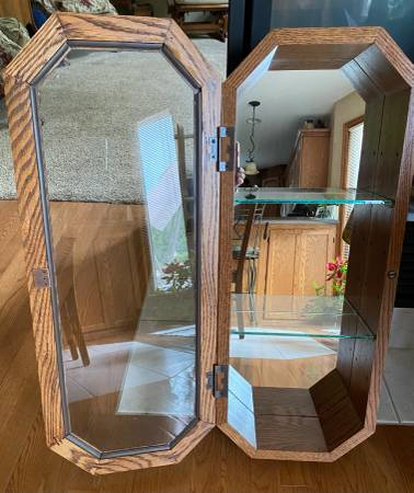Photo Hanging oak wall cabinet with glass shelves - $25 (Dubuque)
