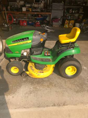 Photo John Deere 125 Lawn Mower (Earlville)