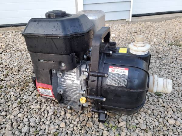 Photo Pacer Trash pump with Briggs and stratton 900 series Engine. 205cc - $175 (Dubuque Iowa)