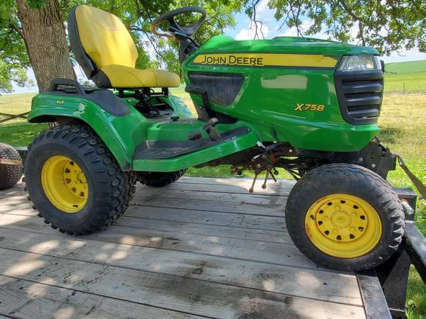 Photo Parting out John Deere X758 4x4 garden tractor (no engine) - $3,000