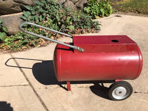 Photo Portable Air Tank on wheels - $30 (Middleton)