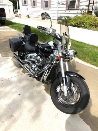 Photo Suzuki Boulevard M50 - $3,500 (Janesville)