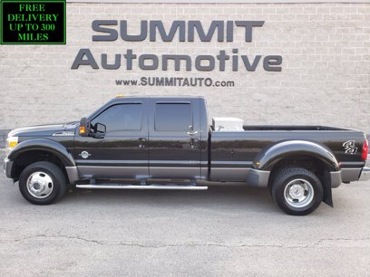 Photo Used 2013 Ford F450 4x4 Crew Cab Lariat DRW for sale