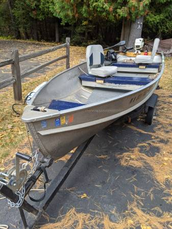 Photo 1439 Crestliner Boat - Full Starter Setup - $1,000 (Knife River)