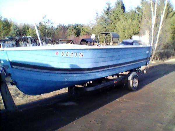 Photo 1812 Foot Aluminum Starcraft Boat - $1,500 (Eveleth)