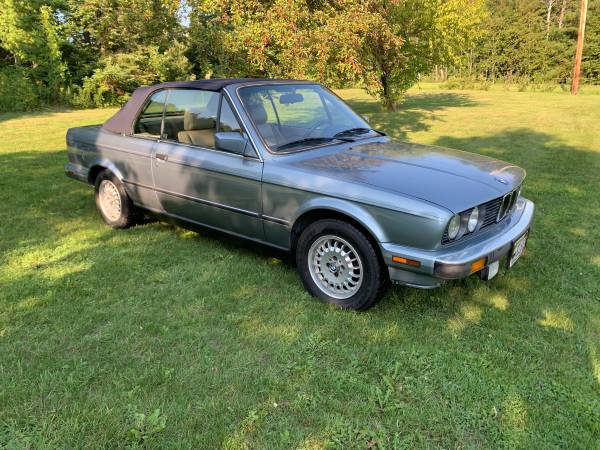 Photo 1989 BMW 325I Convertible - $4,000 (Cloquet)