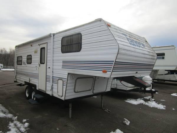 Photo 1999 Thor Tahoe 21MB Fifth Wheel - $5,000 (Oak Lake RV Sales Moose Lake)