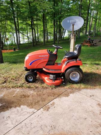 Photo 2010 52quot Simplicity Broadmoor Riding Lawn Mower - $2,000 (Willow River)