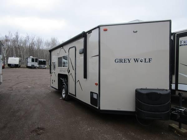 Photo 2018 Forest River RV Cherokee Grey Wolf 17MP Ice House - $28,550 (Oak Lake RV Sales Moose Lake MN)