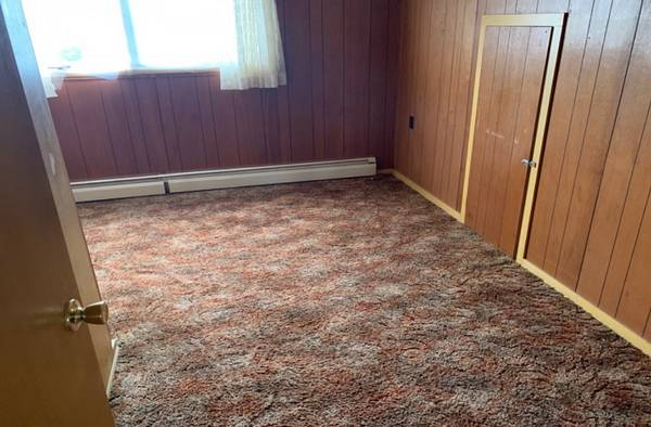 Photo 3 Bedroom Fixer Upper Near Duluth MN call me (Chisholm)