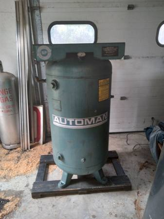 Photo Air Compressor Tank 80 gallon - $175 (Eveleth)