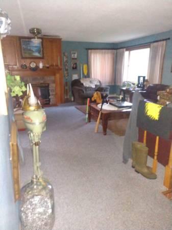 Photo Basement for rent (Eau Claire  Hallie area)