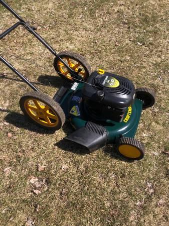 Photo Craftsman 22 Lawnmower - $140 (Hawthorne)