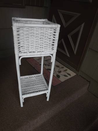 Photo For sale- White wicker stand for plant etc- excellent (Cloquet, MN)