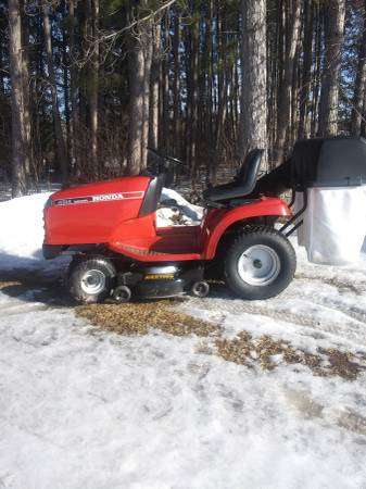 Photo Honda Tractor For-Sale  4514 - $1,250 (Iron River,.,Wi.)