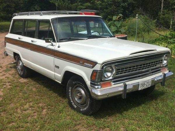 Photo Jeep Grand Wagoneer 1973 - 70,000 miles, 20,000 miles on new motor - $19,500 (Minong Wisconsin)