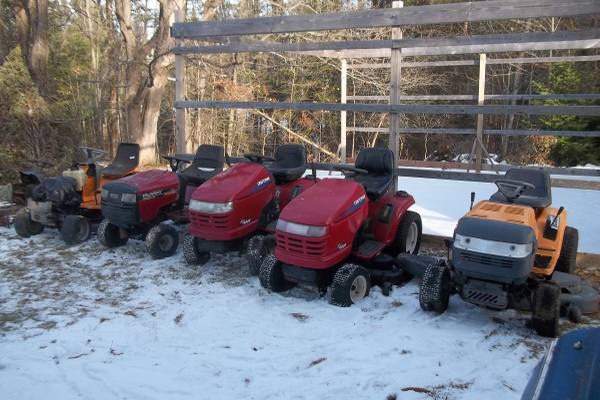 Photo Lot of 5 Used RIDING LAWNMOWERS, Plus a Parts MOWER - $850 (Grand Rapids, MN)