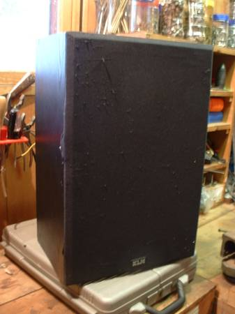 Photo Pair of KLH Speakers - $20 (Moose Lake)