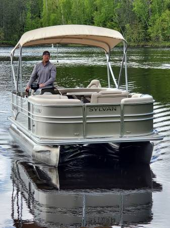 Photo Pontoon Boat Rentals with Deliveries and Pick-Ups for Reasonable Rates (Northeastern Minnesota)