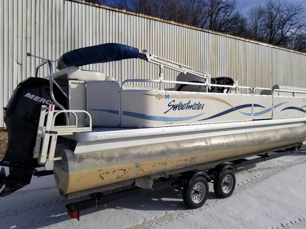 Photo Really Nice 2439 CRUISE Pontoon Boat w 2007 115 HP EFI 4-STROKE Trailer - $17900 (Remer, MN)