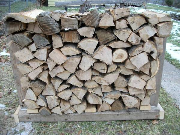 Photo Red Oak Firewood and Fire wood Rack with Treated Runners - Very Sturdy - $110 (Duluth - UMD Area)