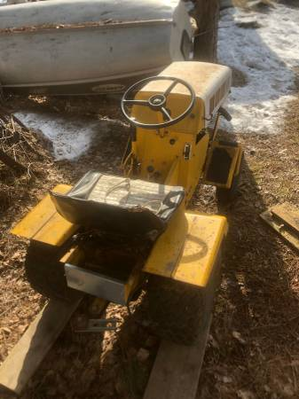 Photo Sears 10 lawn tractor - $350 (Duluth)
