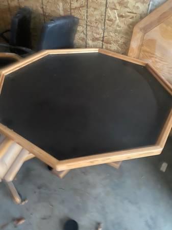 Photo Starburst poker table - $600 (Hibbing)