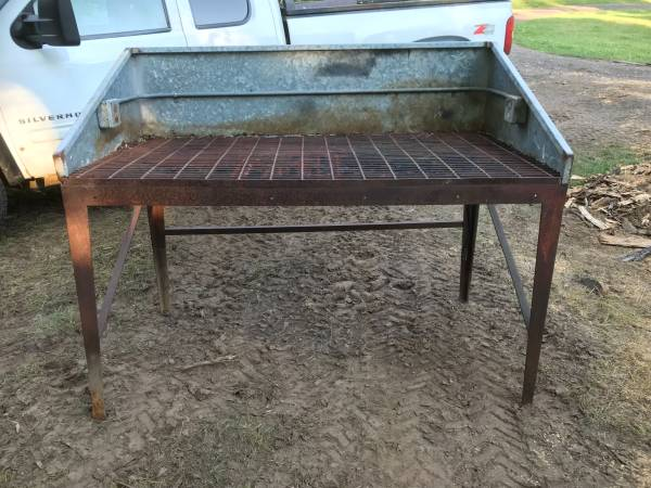 Photo Table for cutting steel or a workbench - $125 (near Cloquet Mn.)