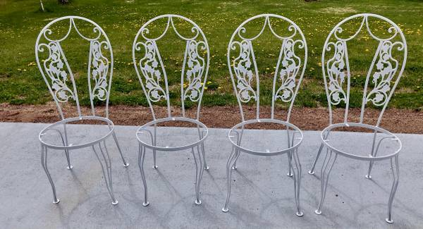 Photo Vintage Wrought Iron Patio Chairs - $100 (Two Harbors)
