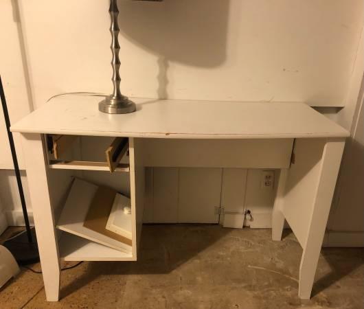 Photo White Desk (Congdon)