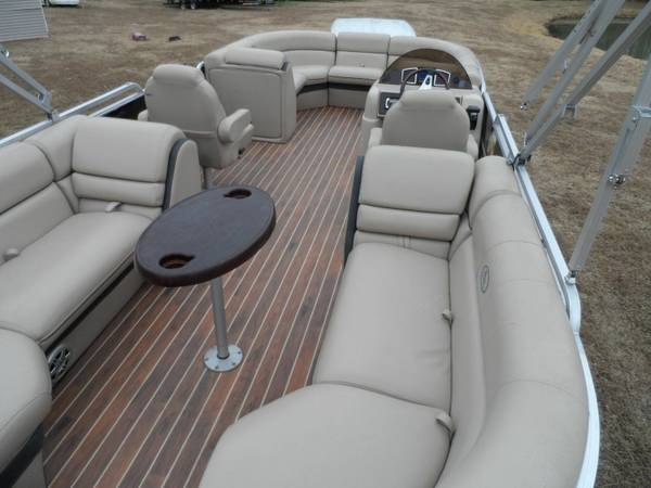 Photo pontoon boat 2014 South Bay 522RS with only only 160 hours  - $16920