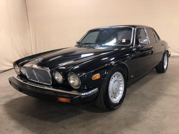 Photo 1982 Jaguar XJ6 Base AW4492 - $8,495 (PARKER)