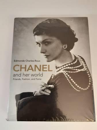 Photo Chanel and Her World - NEW - $50 (AURORA)