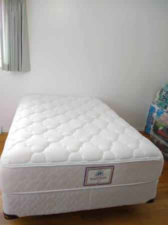 Photo Excellent condition full size bed mattress, box spring, frame - $380 (Centennial)