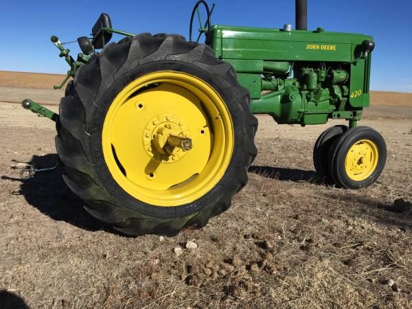 Photo John Deere 420 - $3800 (Sterling)
