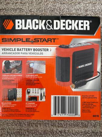 Photo NEW Black and Decker Simple Start Vehicle Battery Booster - $25 (Castle Rock)