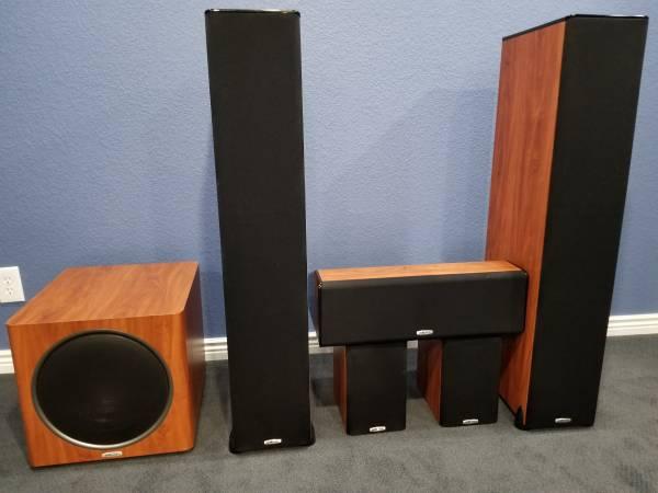 Photo Polk Audio Cherry Wood TSI Home Theater Speakers System - $920 (Castle Rock)