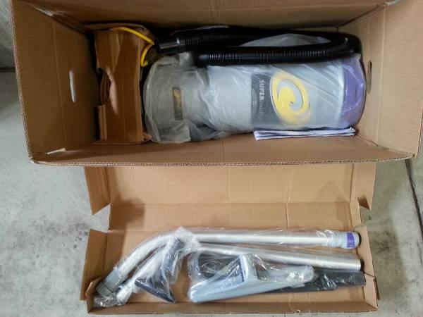 Photo Pro-Team Super Coach backpack vacuum - $350 (SE Aurora)