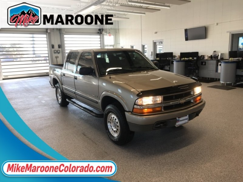 Photo Used 2004 Chevrolet S10 Pickup LS for sale