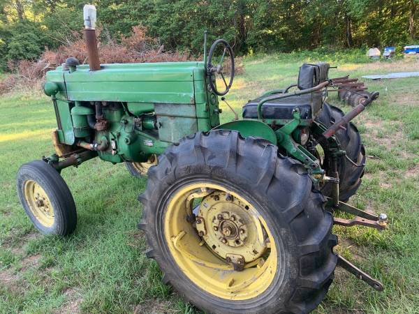 Photo 1950s John Deere need good With 4 attachments - $2,800