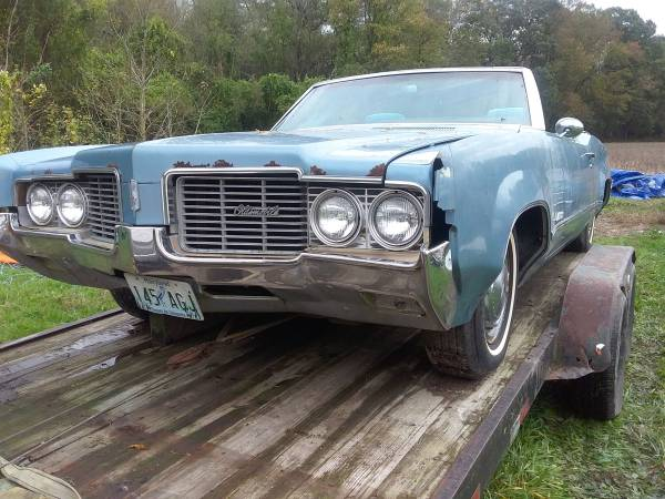Photo 1969 olds delta 88 - $3,000 (Preston)